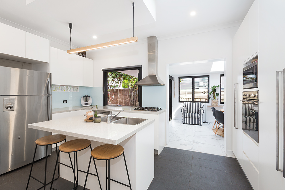 2 Pacific Street CARINGBAH SOUTH