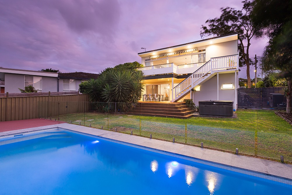 33 Woodward Avenue CARINGBAH SOUTH