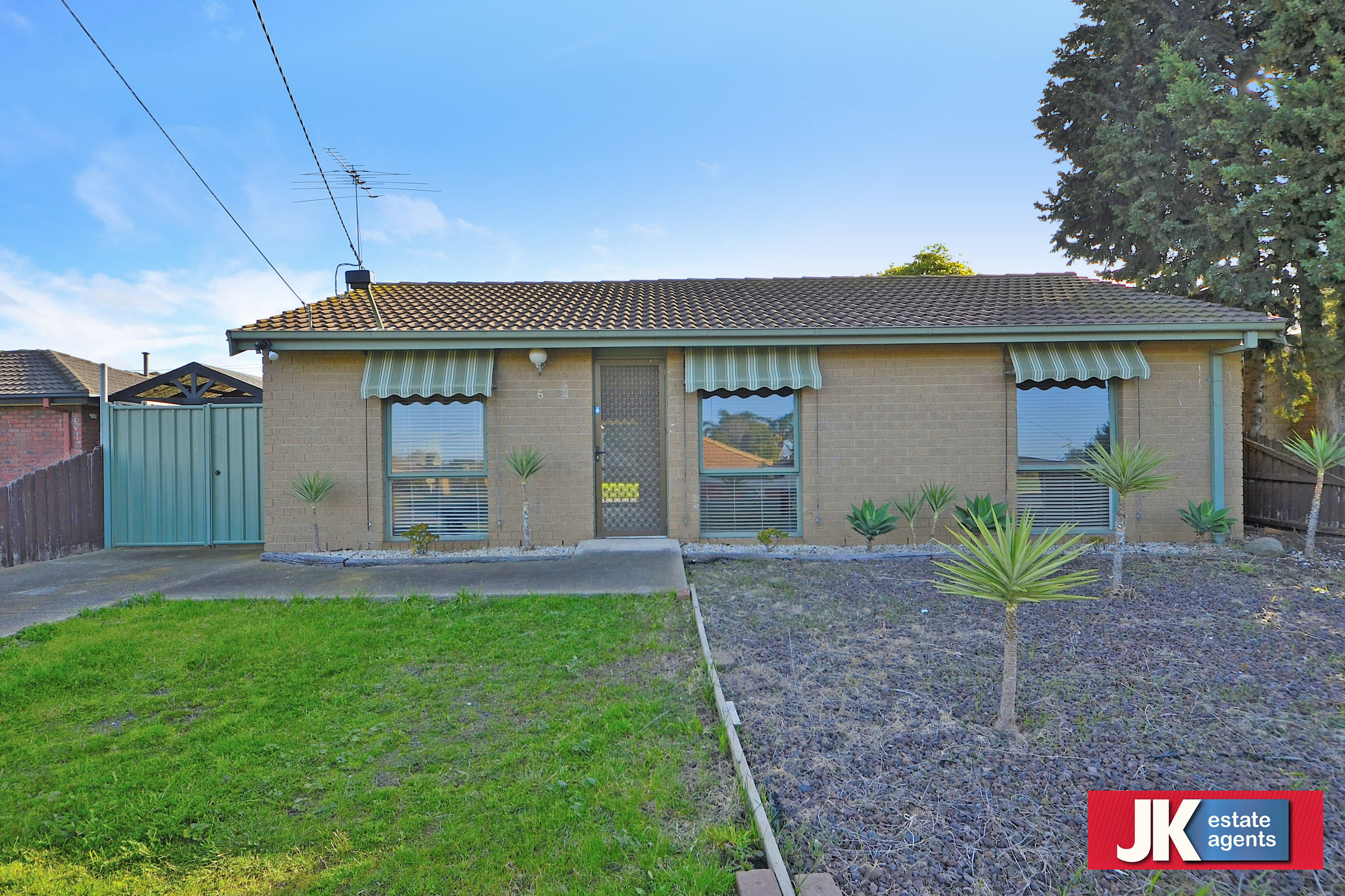 5 Melton Close WERRIBEE