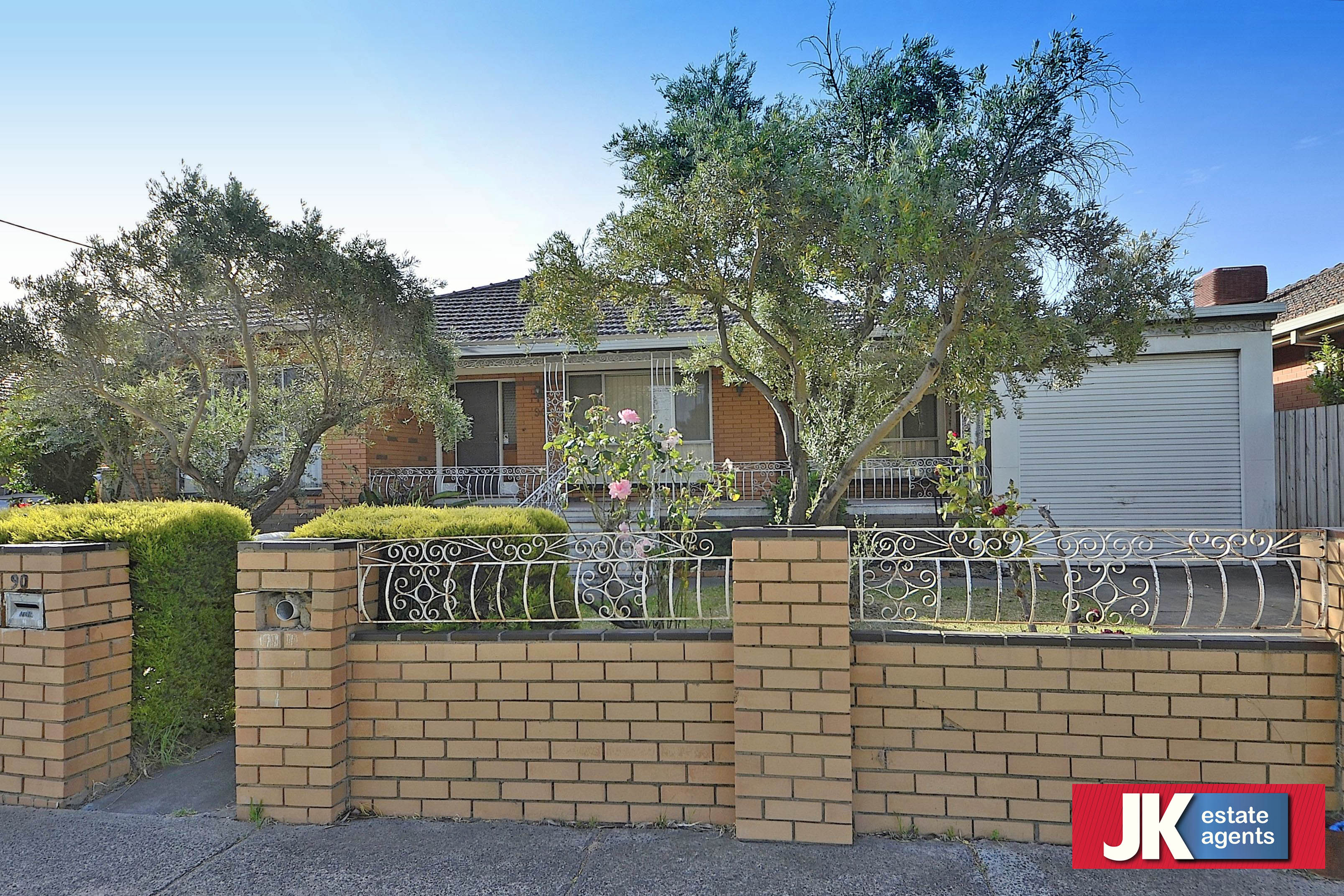 90 North Road AVONDALE HEIGHTS