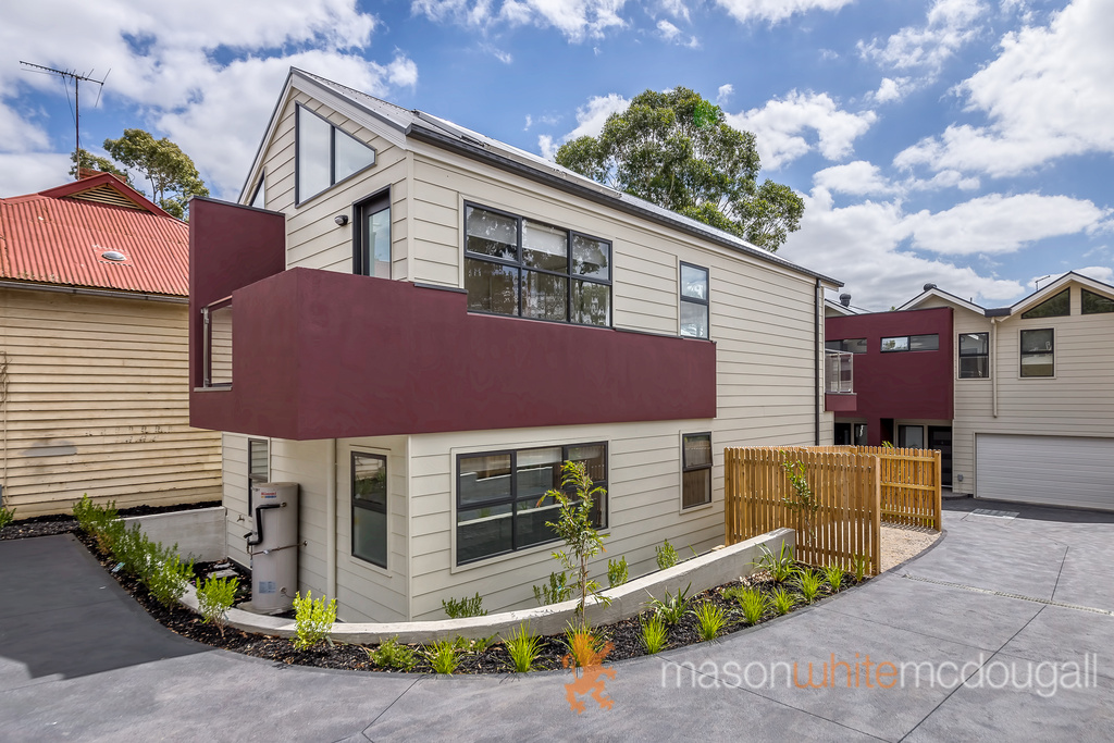 3 Butchers Mews HURSTBRIDGE