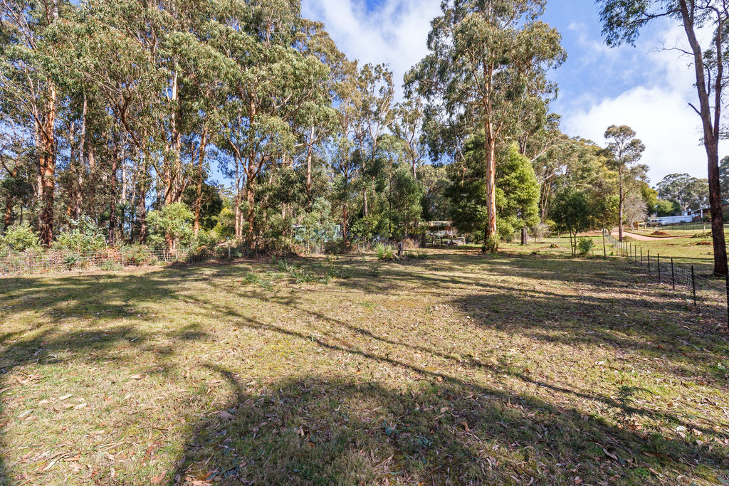 10 WATSONS ROAD KINGLAKE WEST