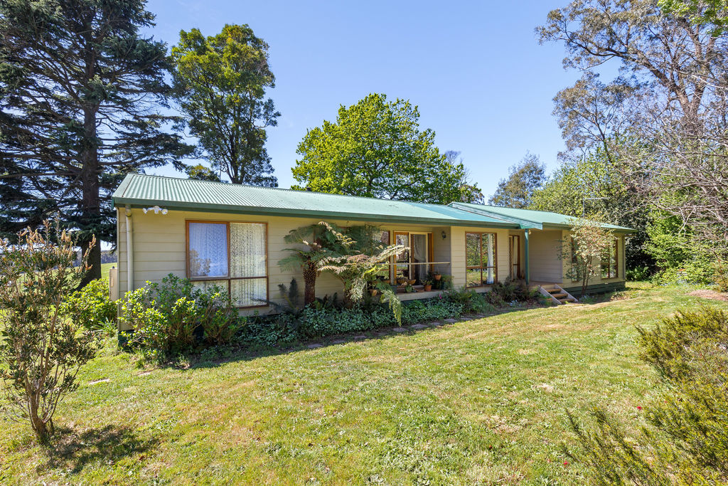 808 WHITTLESEA-KINGLAKE ROAD KINGLAKE WEST