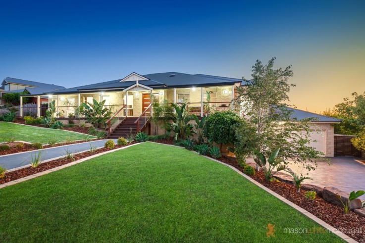 57-59 Laurimar Hill Drive