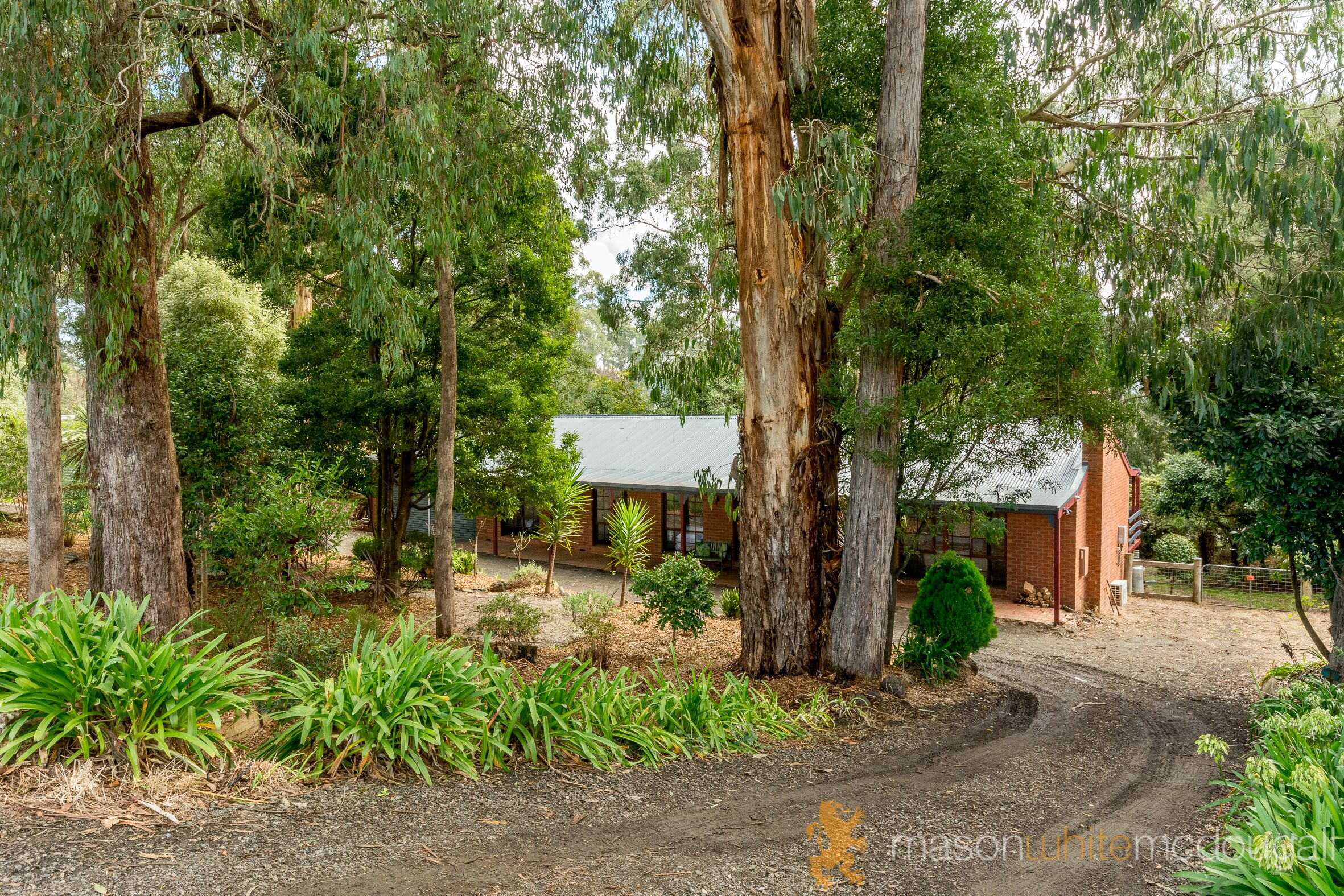 271 Kinglake-Glenburn Road KINGLAKE