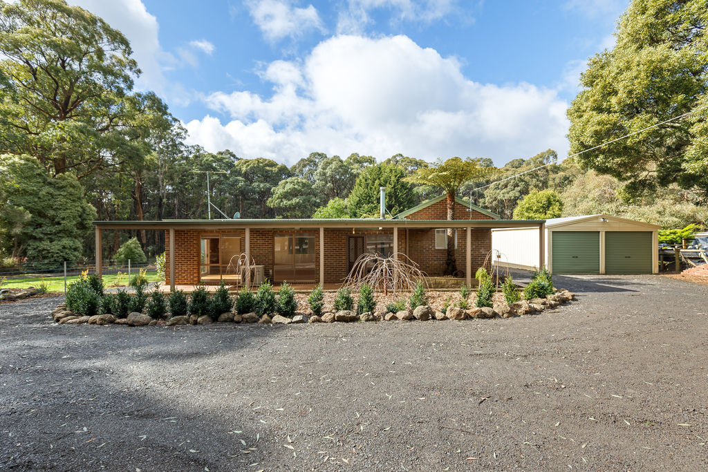 204 Kinglake-Glenburn Road KINGLAKE