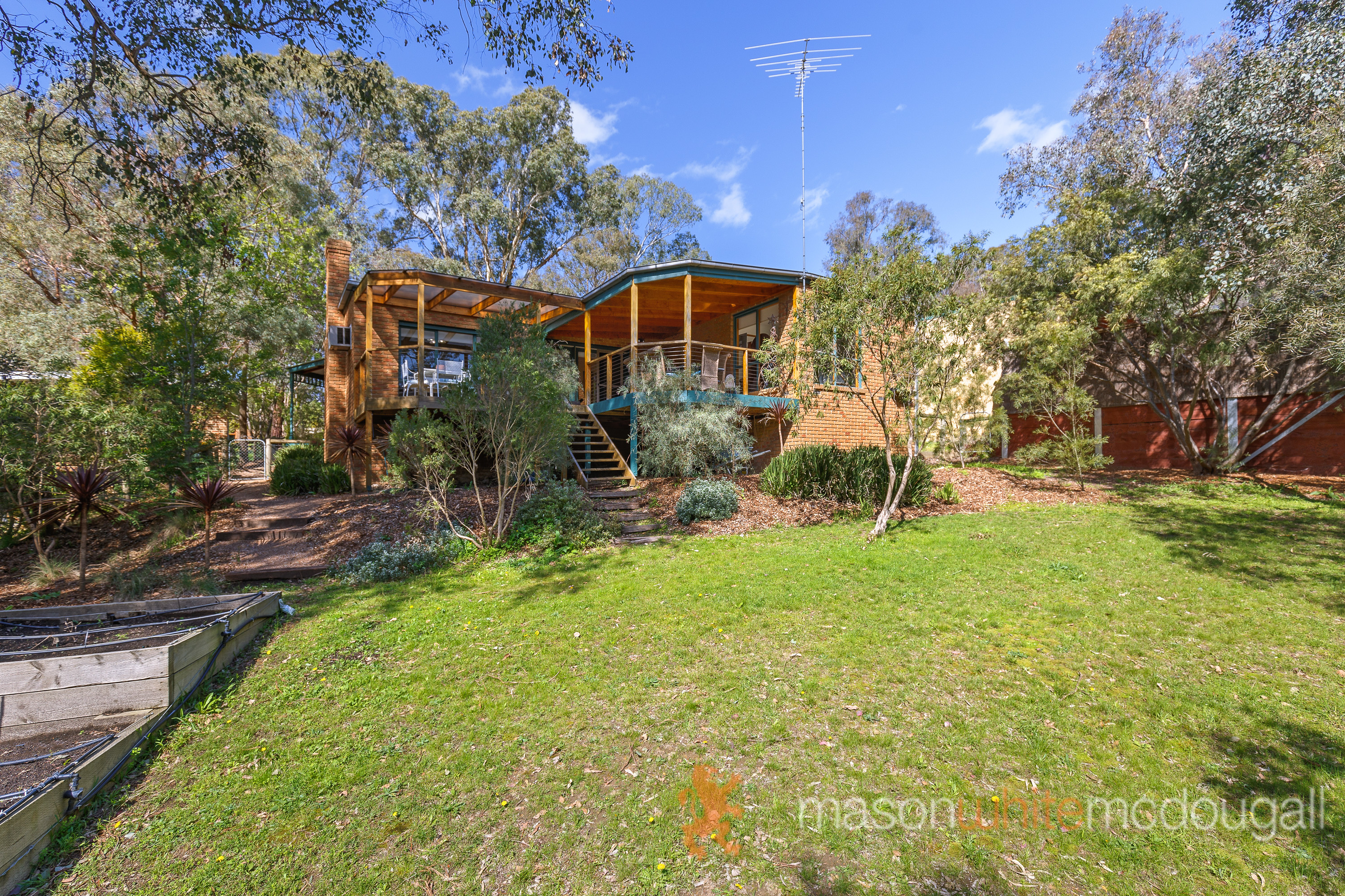 9 Roylston Rise HURSTBRIDGE