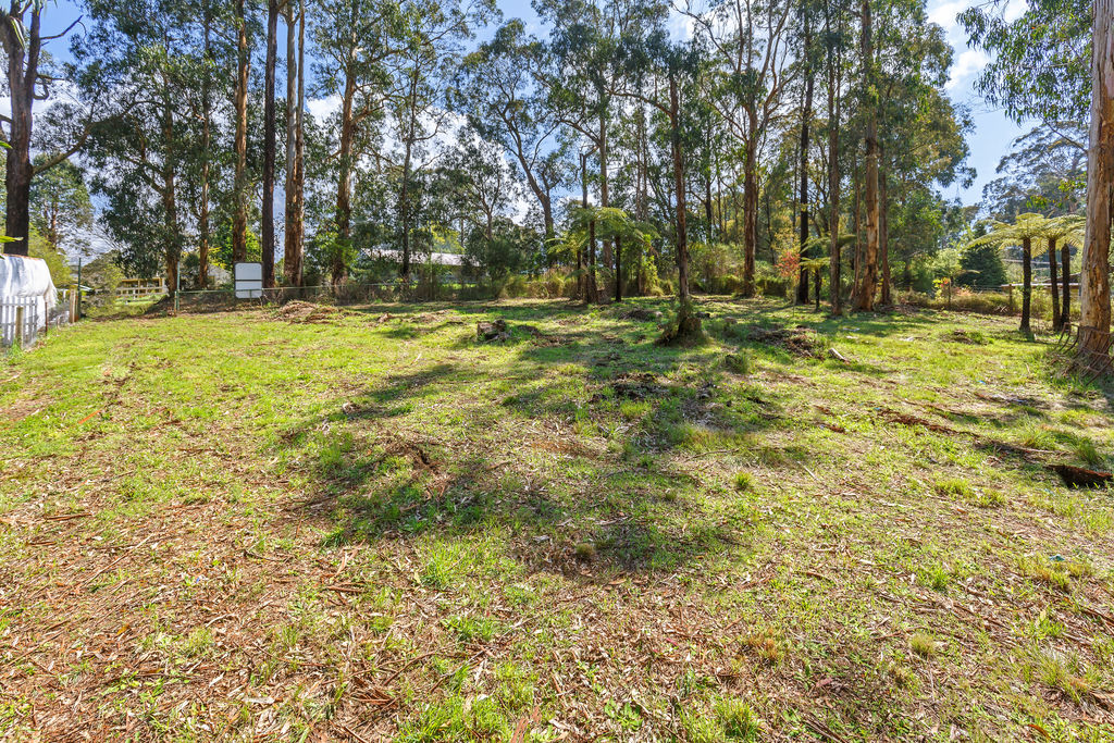 98 Kinglake-Glenburn Road KINGLAKE