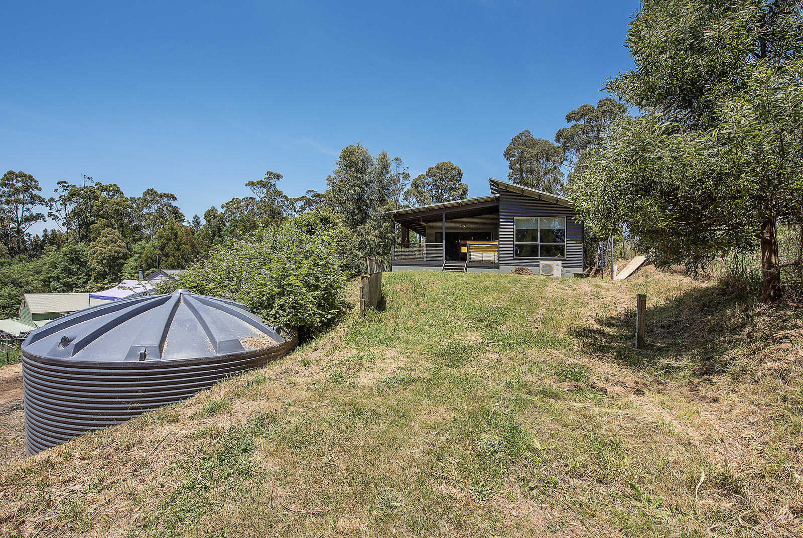 192 WHITTLESEA-KINGLAKE ROAD KINGLAKE