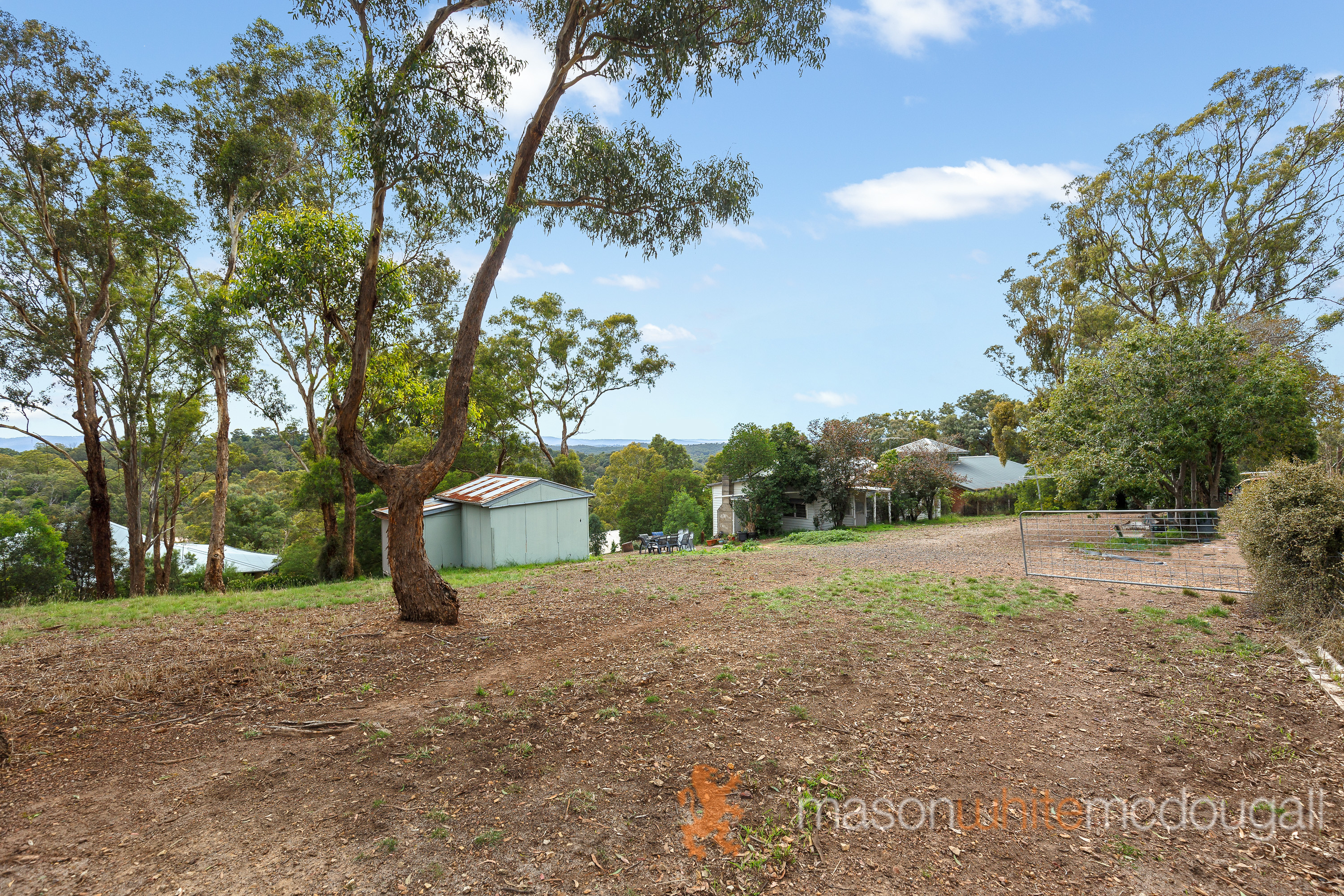 18 Valley View Rd. HURSTBRIDGE