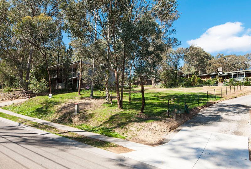 42 Ramptons Road ELTHAM NORTH
