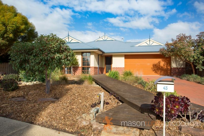 43 Flaxen Hills Road DOREEN