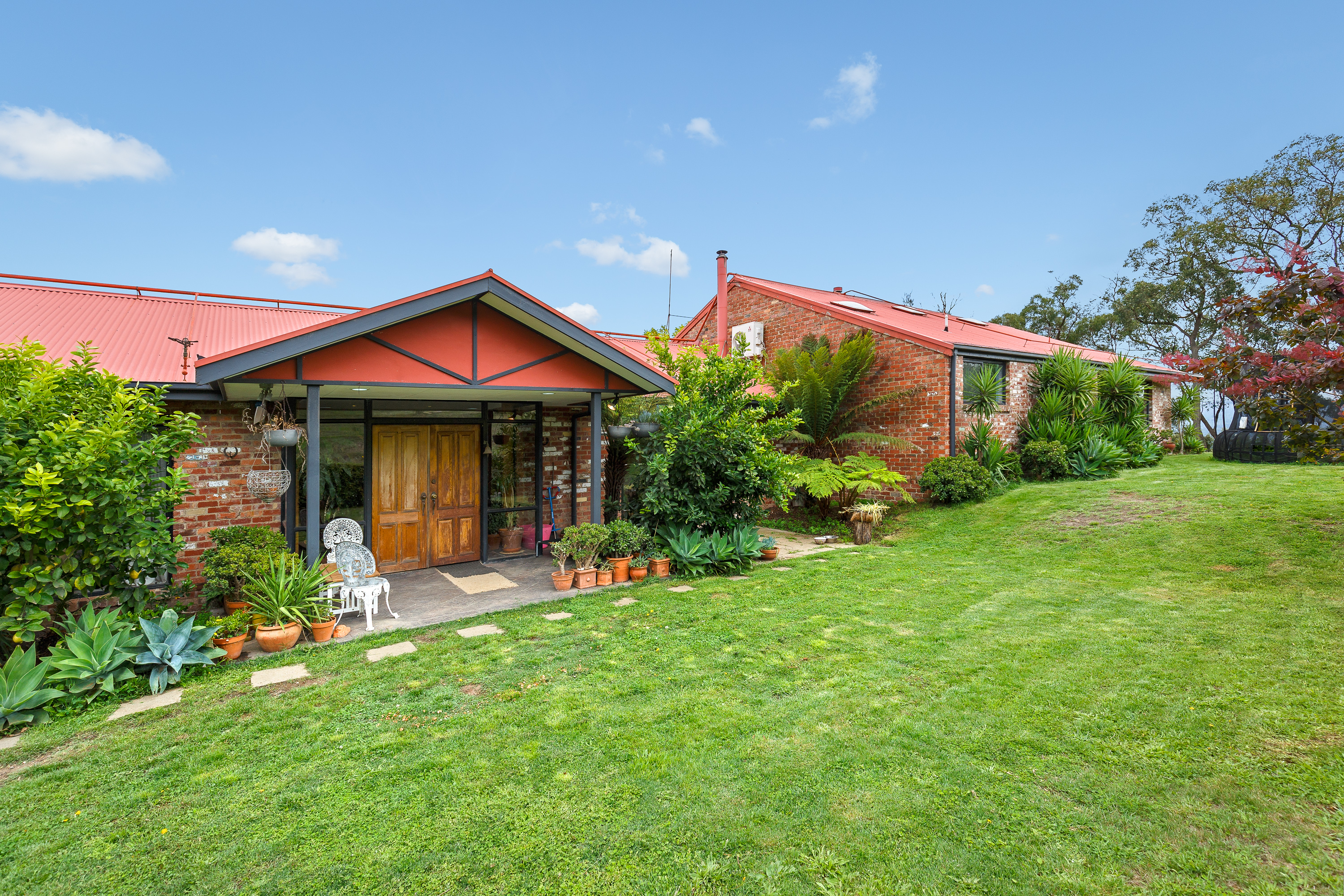 590 Coombs Road HUMEVALE