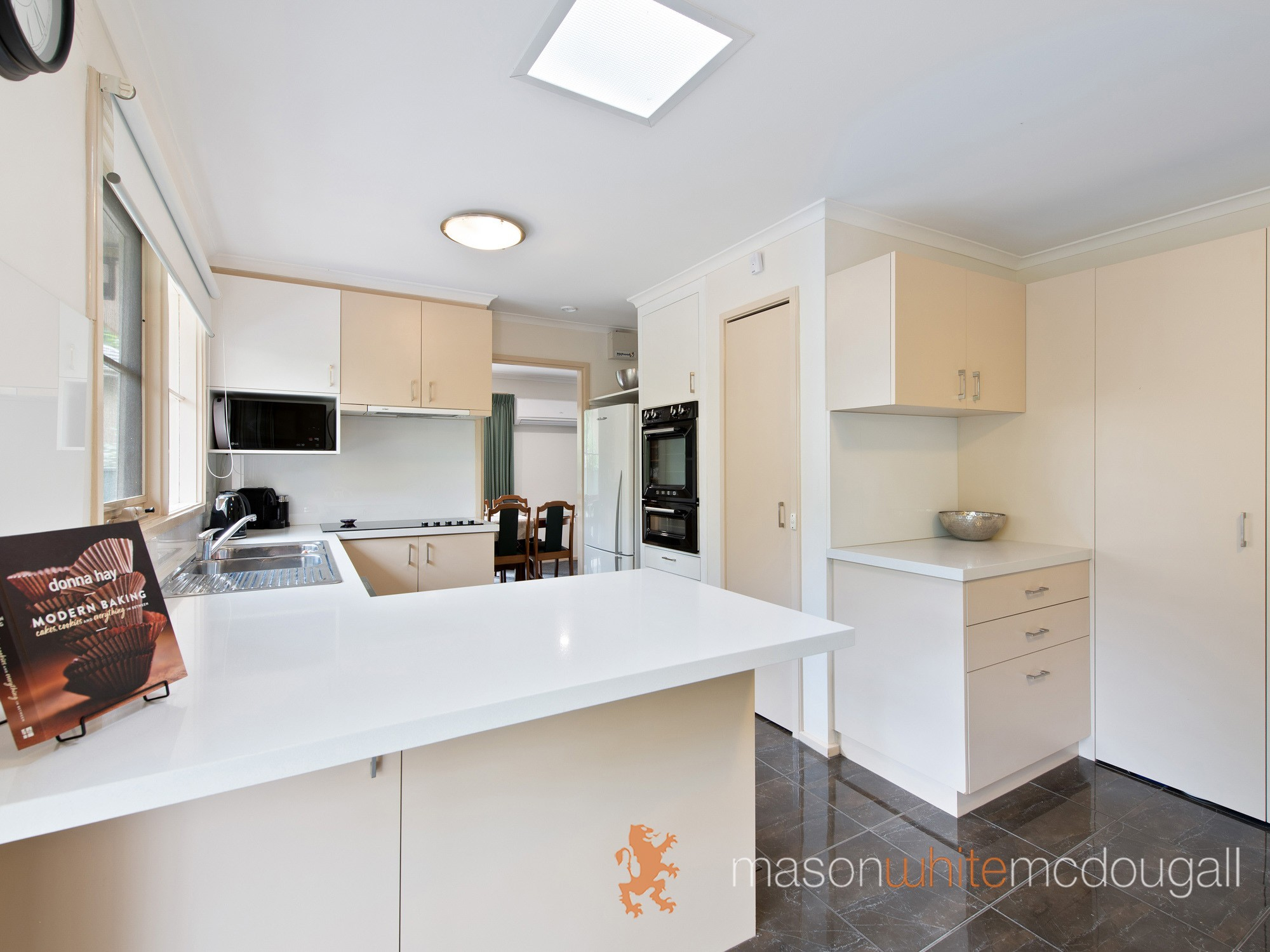 19 Carbora Dale GREENSBOROUGH