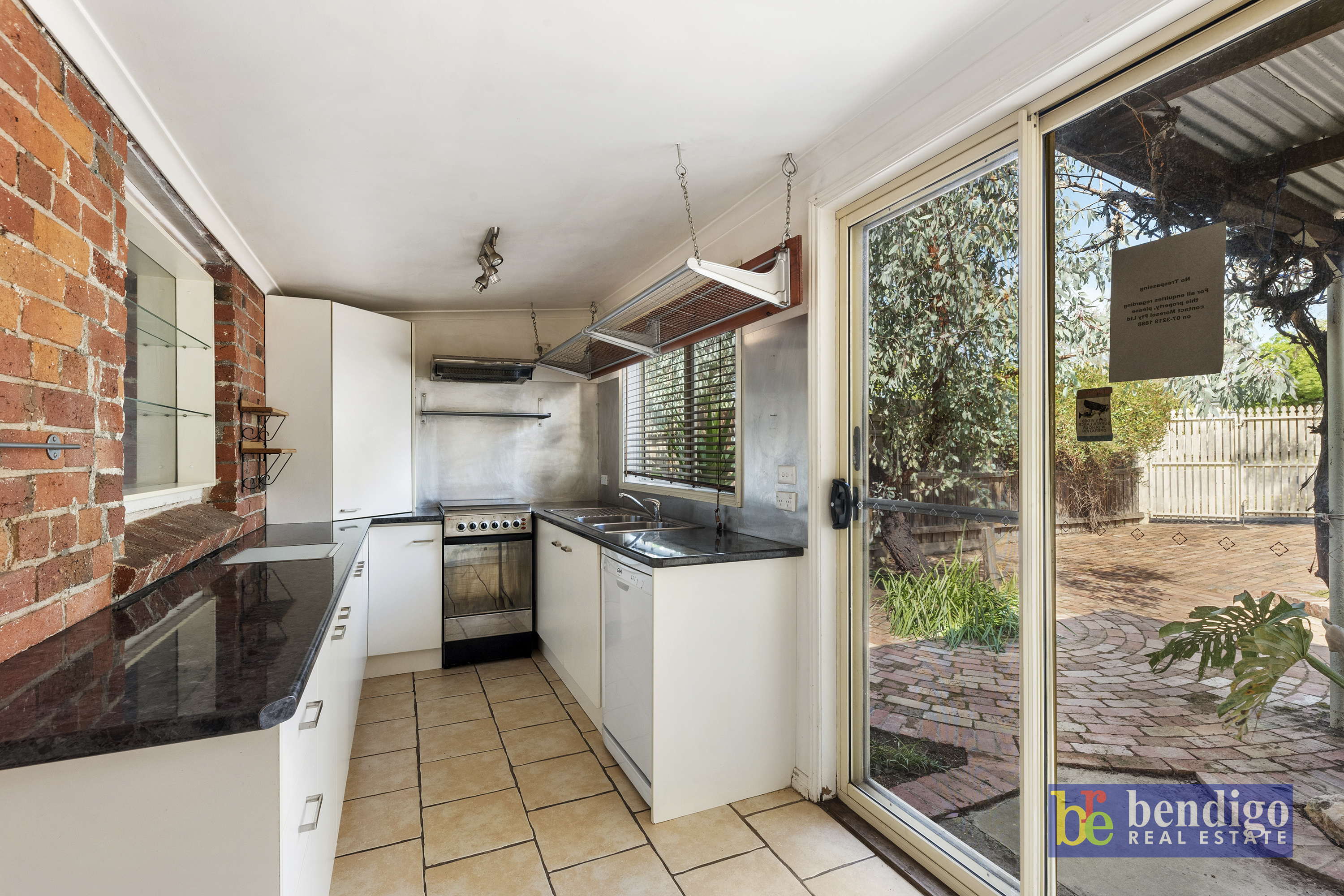 27 Eaglehawk Road IRONBARK