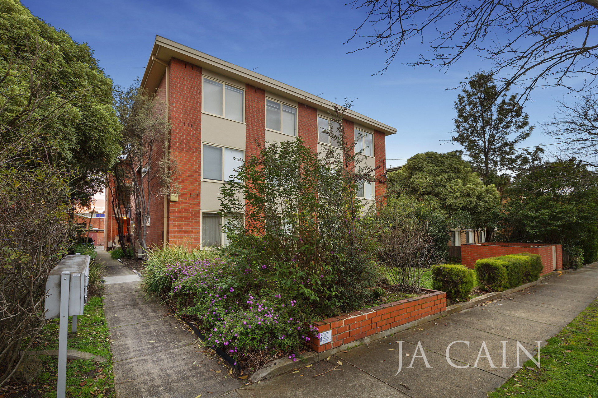 3/71 Edgar Street North Glen Iris