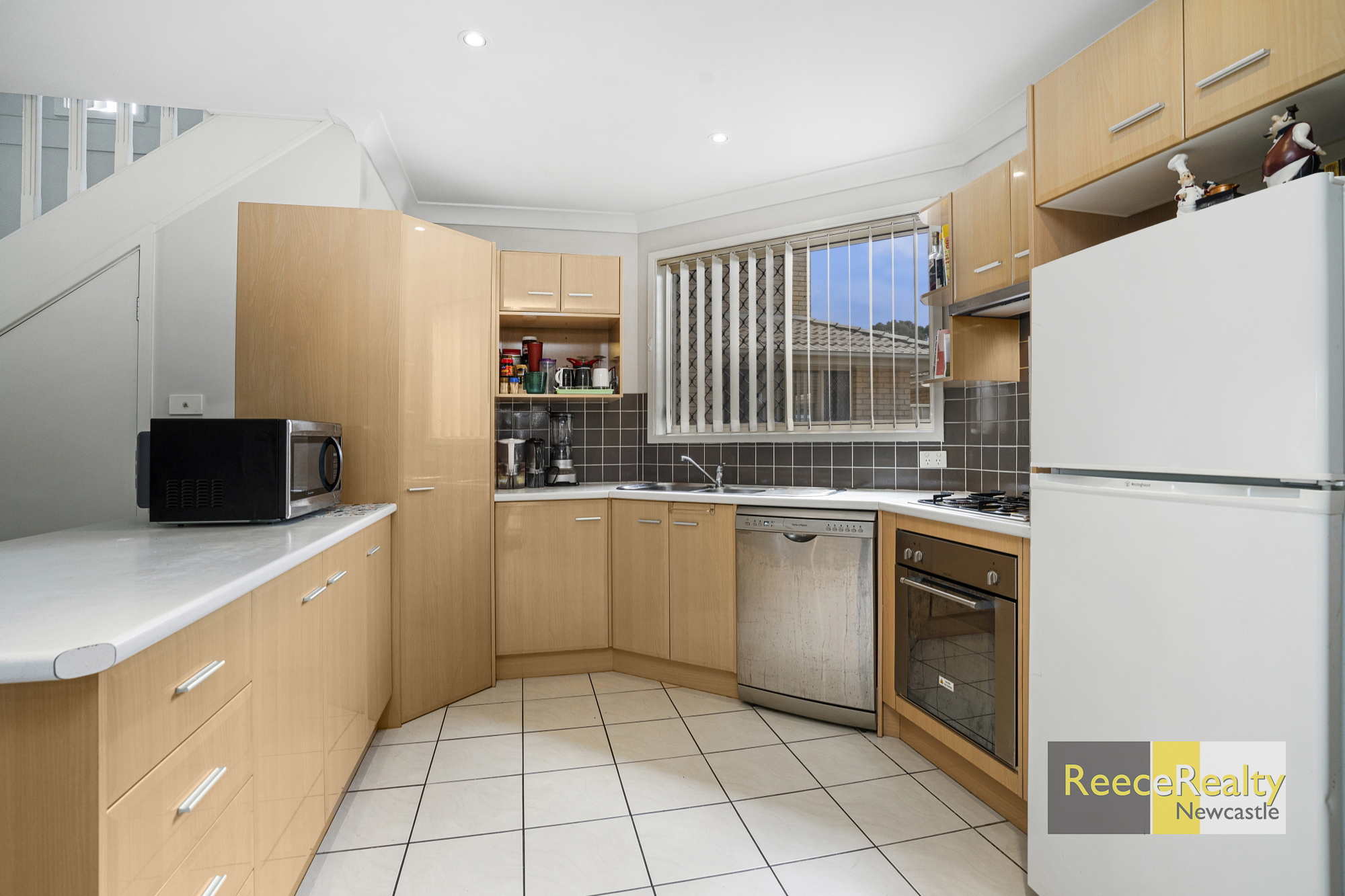 2/180 Kings Road NEW LAMBTON