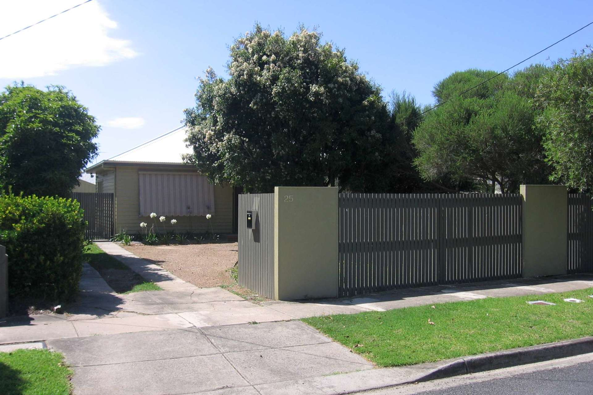 25 Rugby Street Belmont