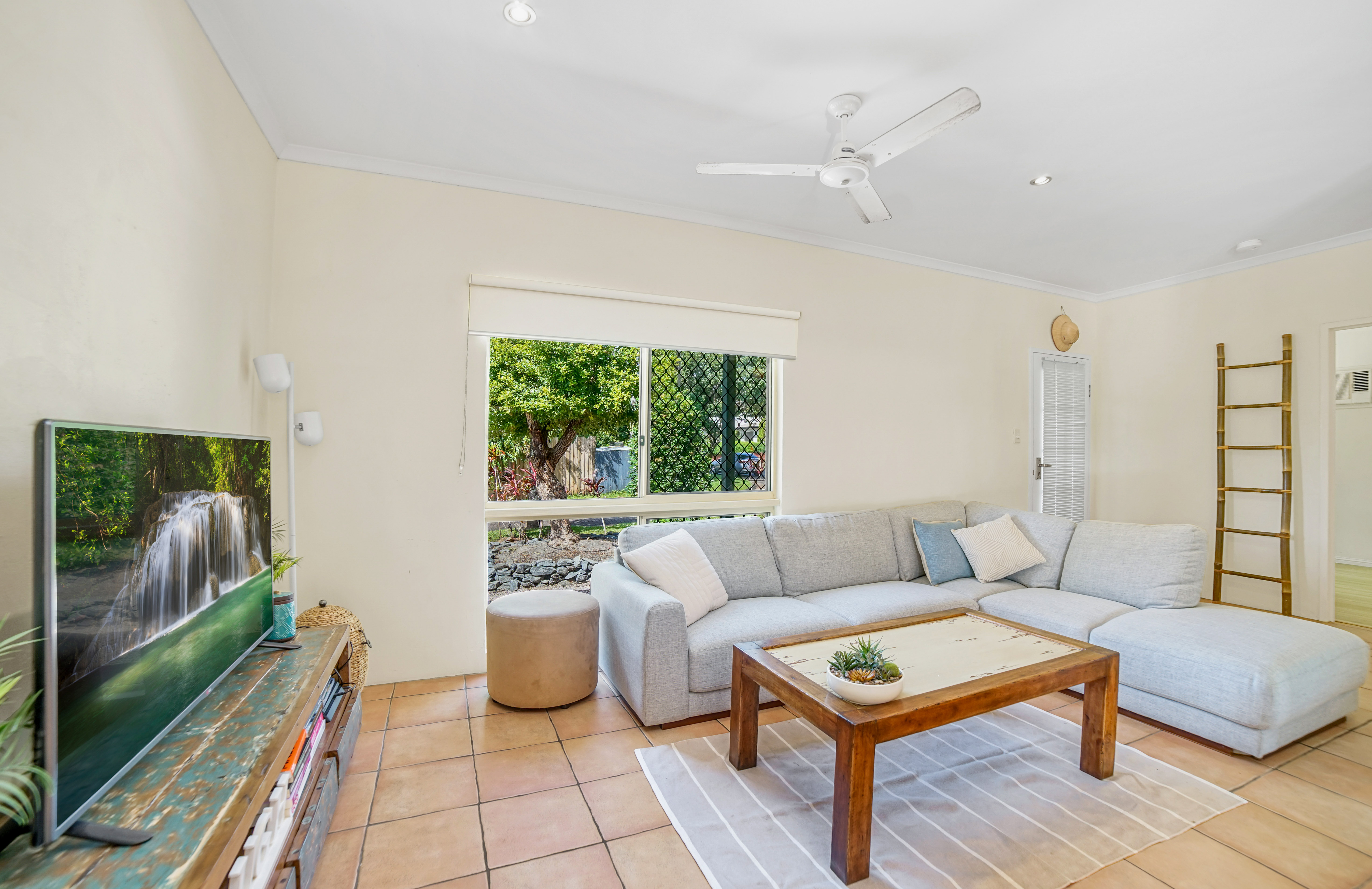 6 Roma Close MOUNT SHERIDAN