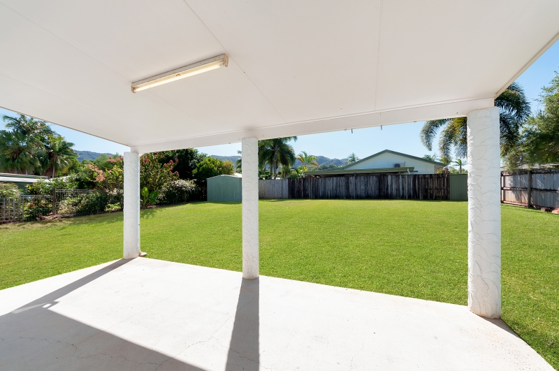 10 Edmonds Close BENTLEY PARK