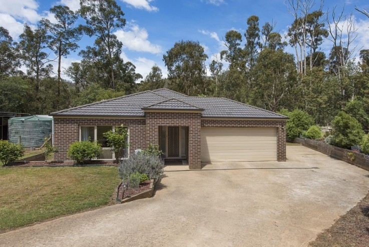 72 Silver Parrot Road