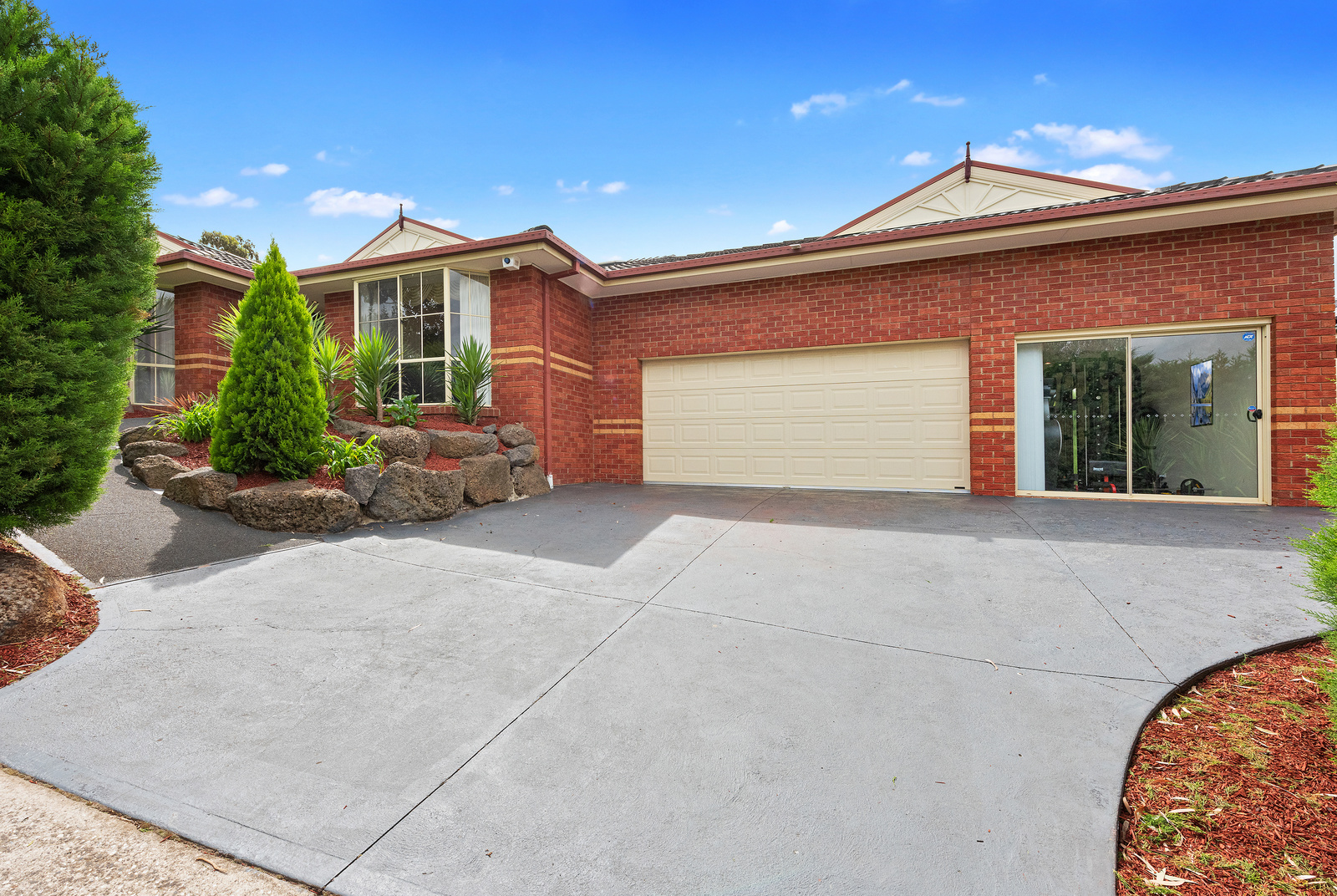 4 Curlew Drive WHITTLESEA