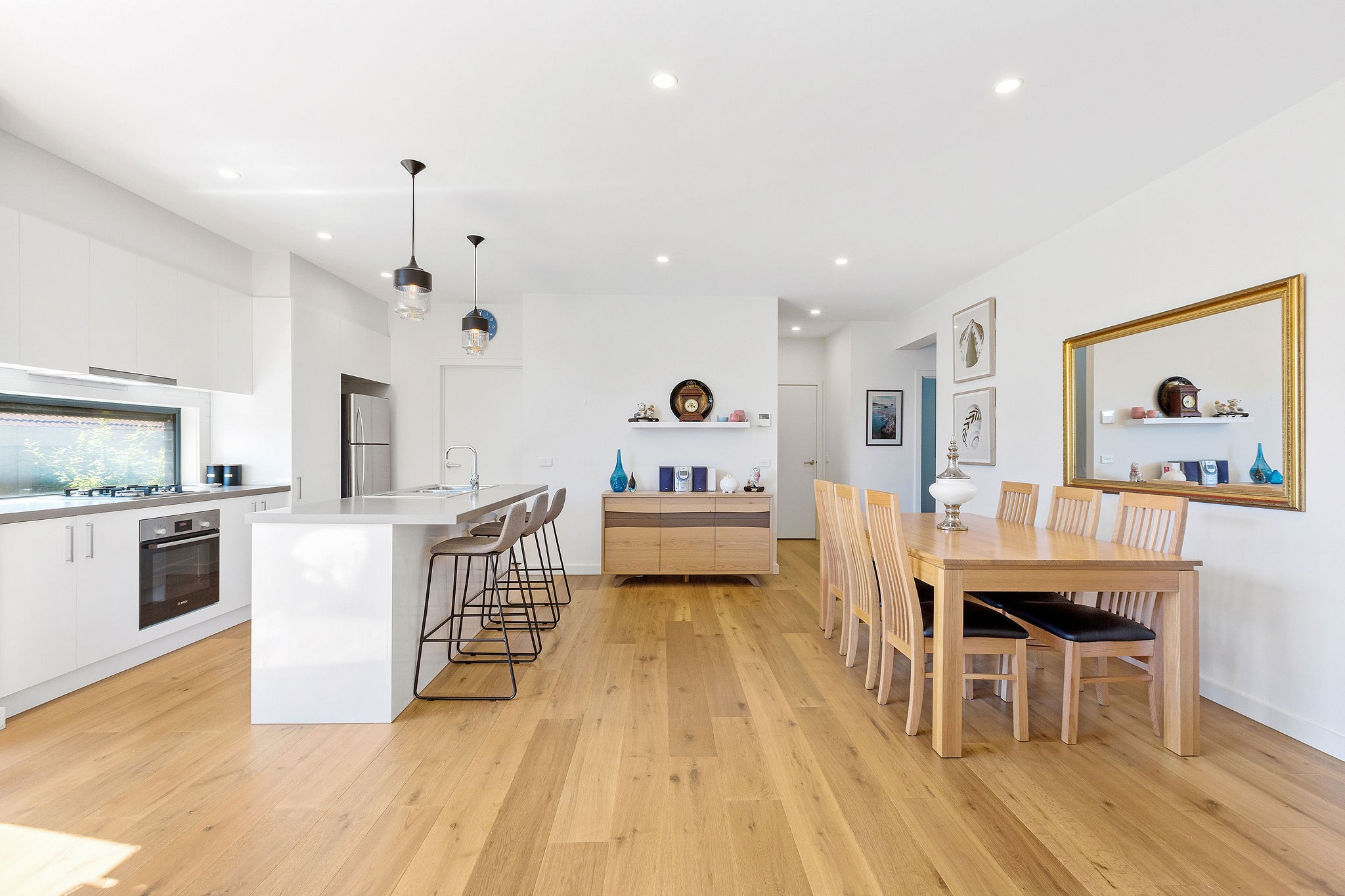 2/18 Van Ness Avenue MORNINGTON