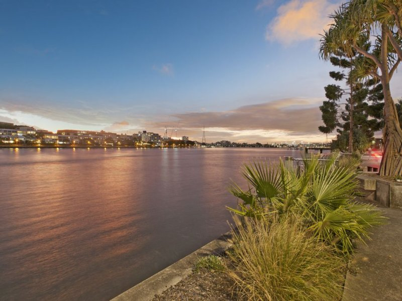 47 Waterline Crescent BULIMBA