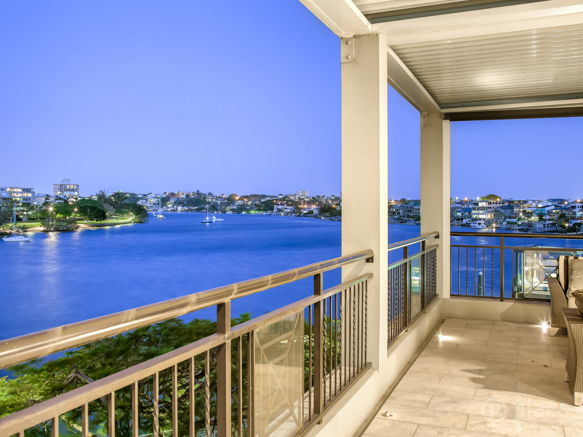 302/241 Wellington Road EAST BRISBANE
