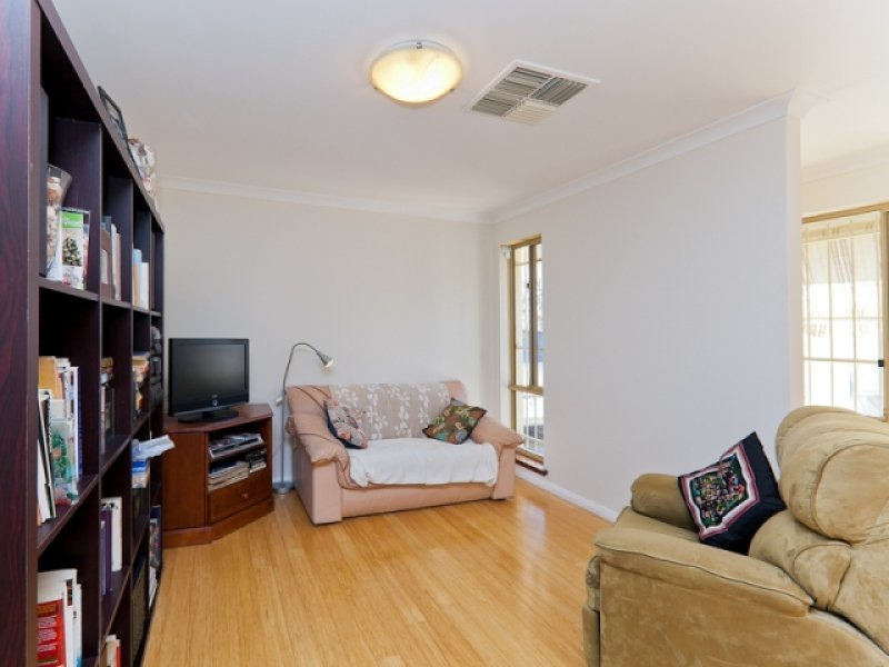2/71 Kelvin Road MAYLANDS