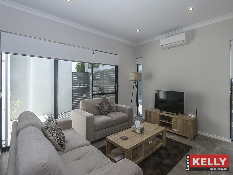 3/102 Roberts Road RIVERVALE