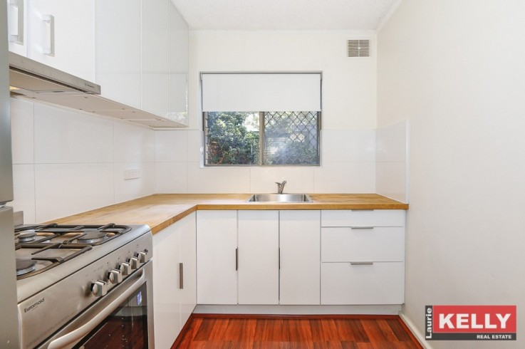 4/13 Storthes Street,