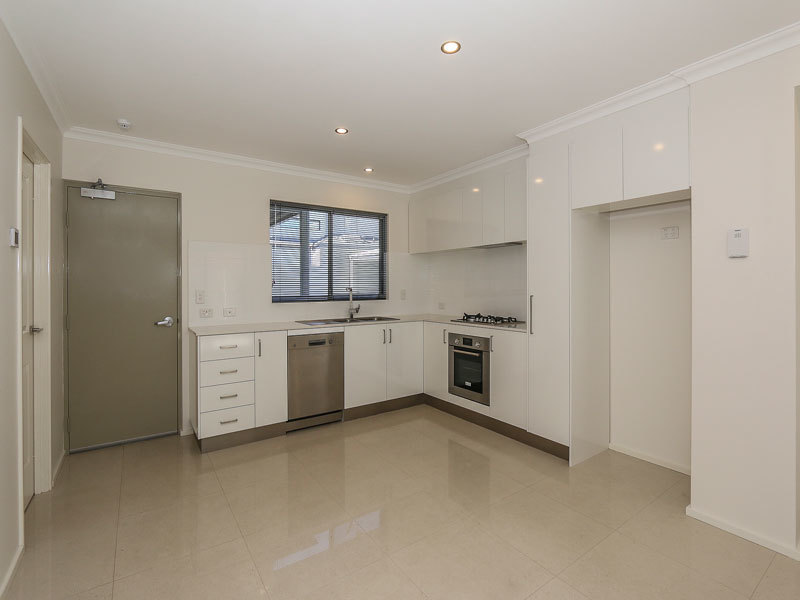 3/100 Roberts Road Rivervale
