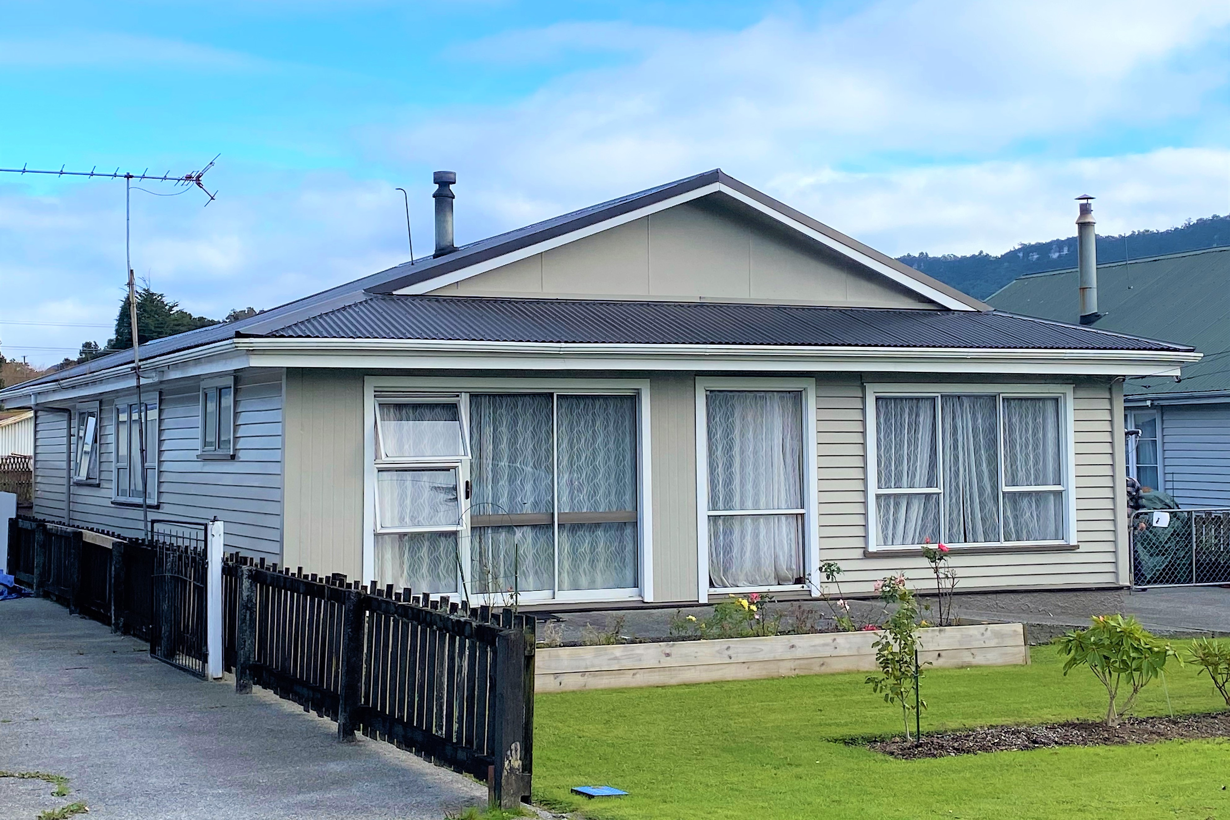 66 Somerled Avenue DUNOLLIE