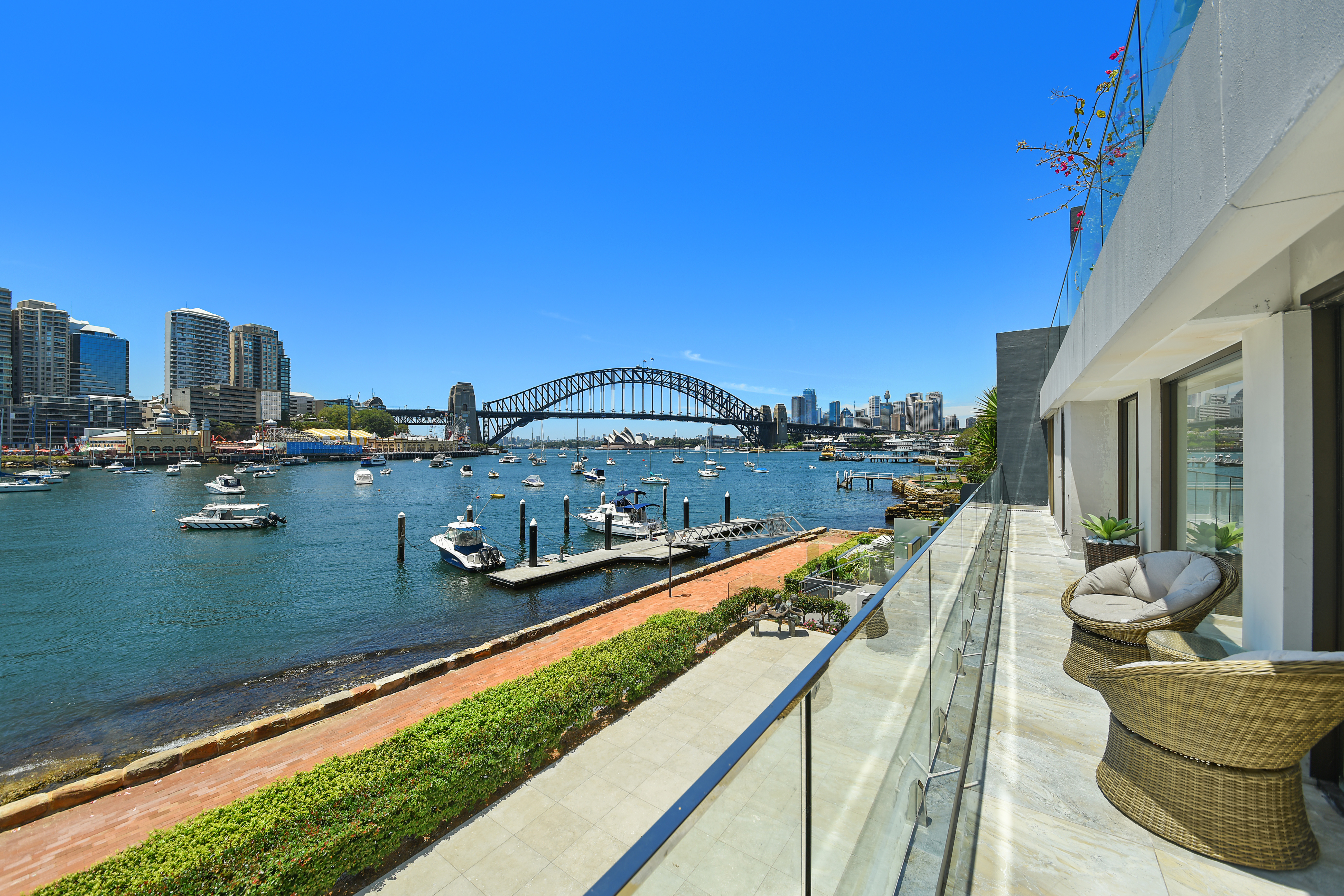 4/33 East Crescent Street MCMAHONS POINT