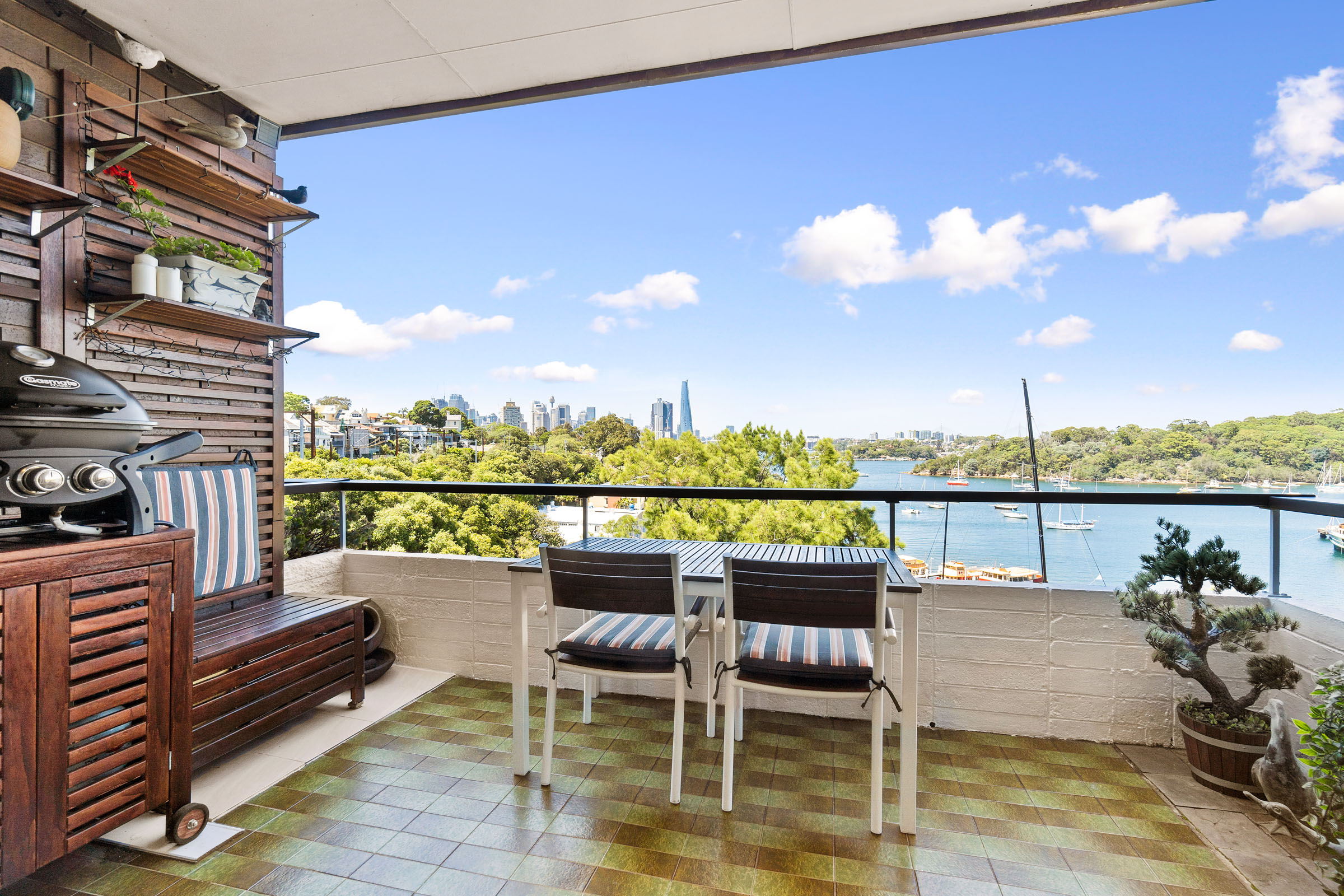 11/9 Commodore Crescent MCMAHONS POINT