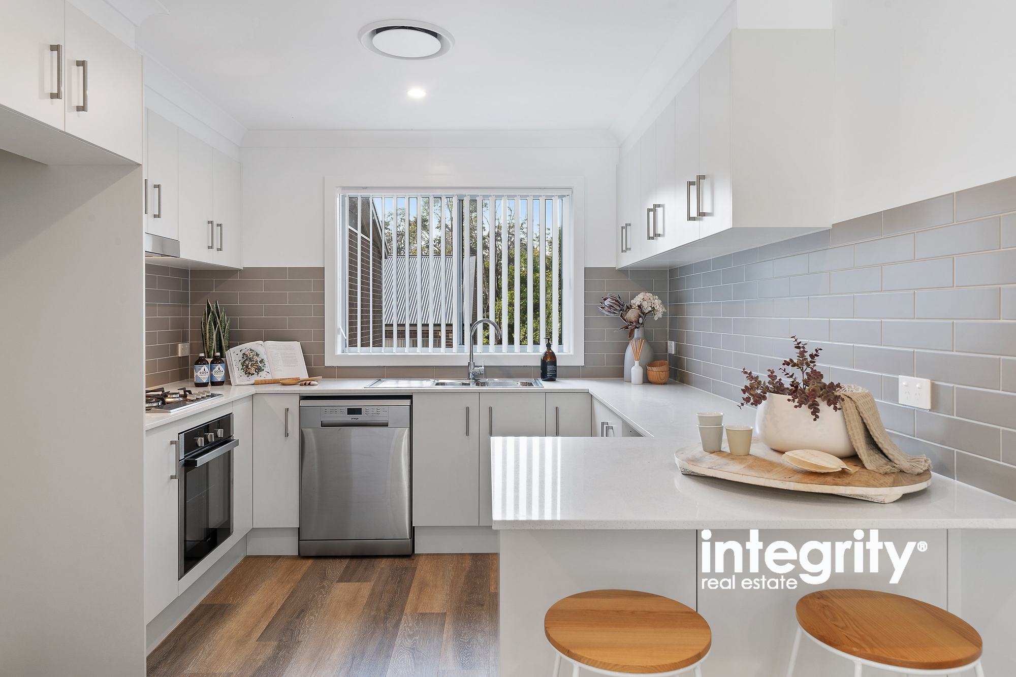 1-4 & 9-14/76 Brinawarr Street BOMADERRY