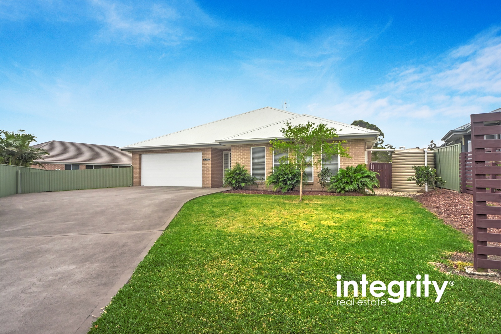 16 Hanover Close SOUTH NOWRA