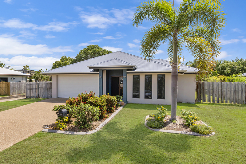 17 GREENTREE CIRCUIT BUSHLAND BEACH
