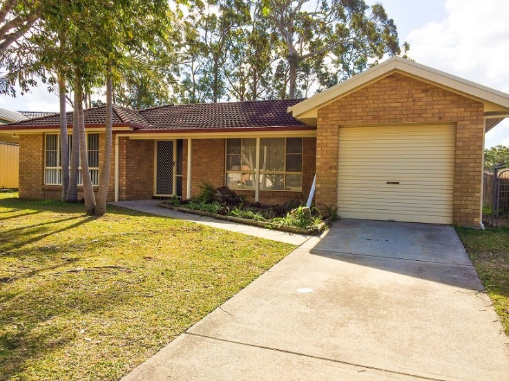 18 Mountain Ash Close
