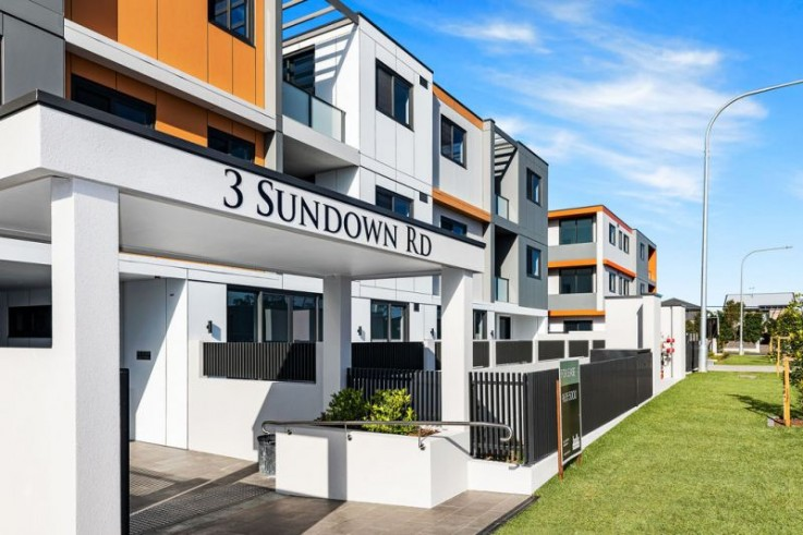 3 Sundown Road