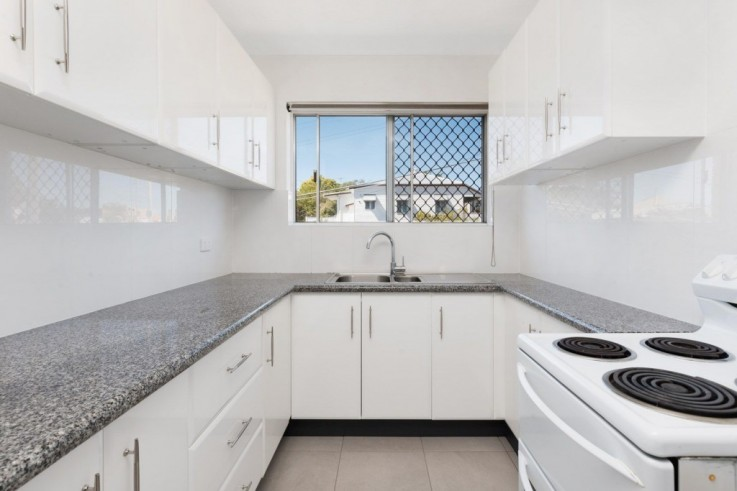 2/142 Gladstone Road Highgate Hill