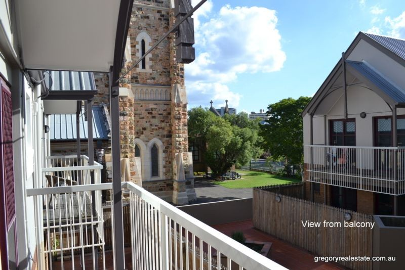53 St Pauls Tce SPRING HILL