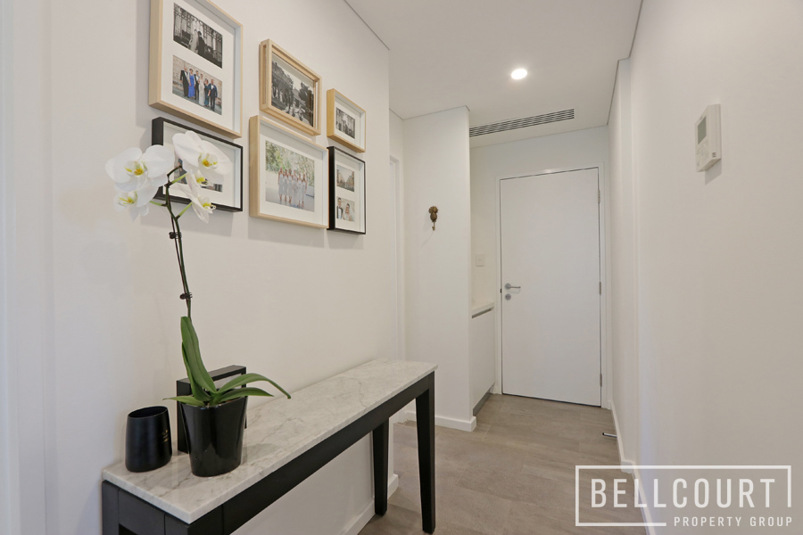 2/152A Mill Point Road South Perth