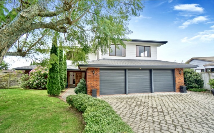 3 Randell Place