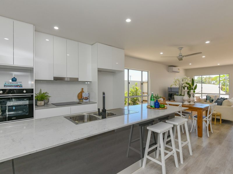 4/11 Holland Street BARGARA