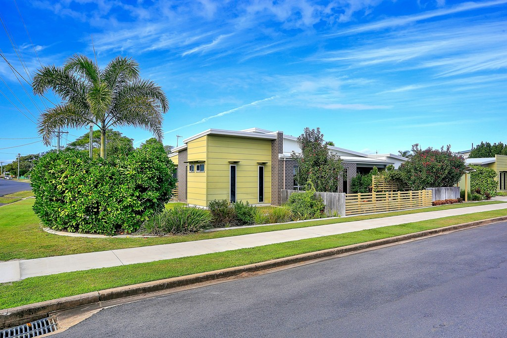 2/27 Holland Street BARGARA