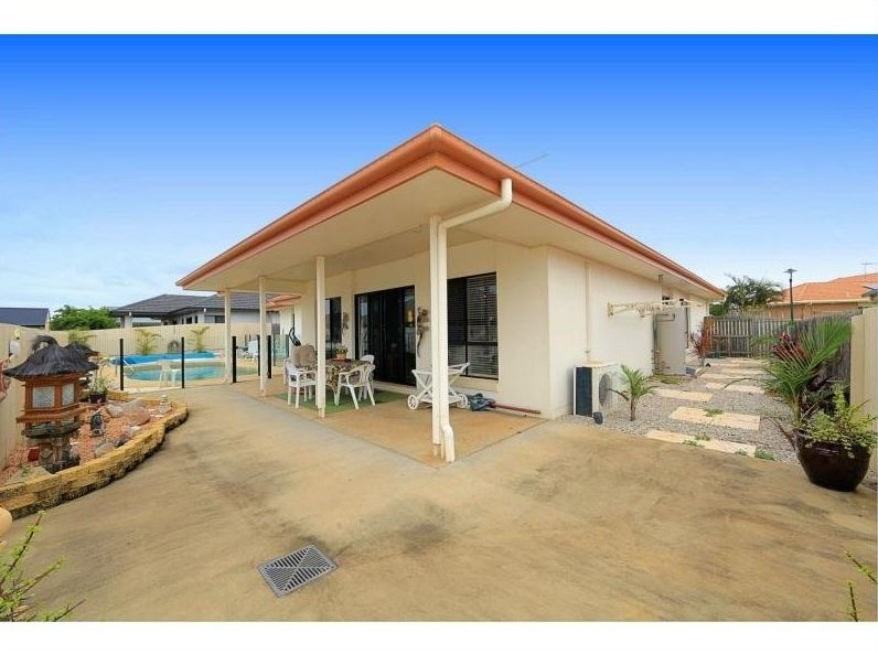 5 Sams Place... CORAL COVE