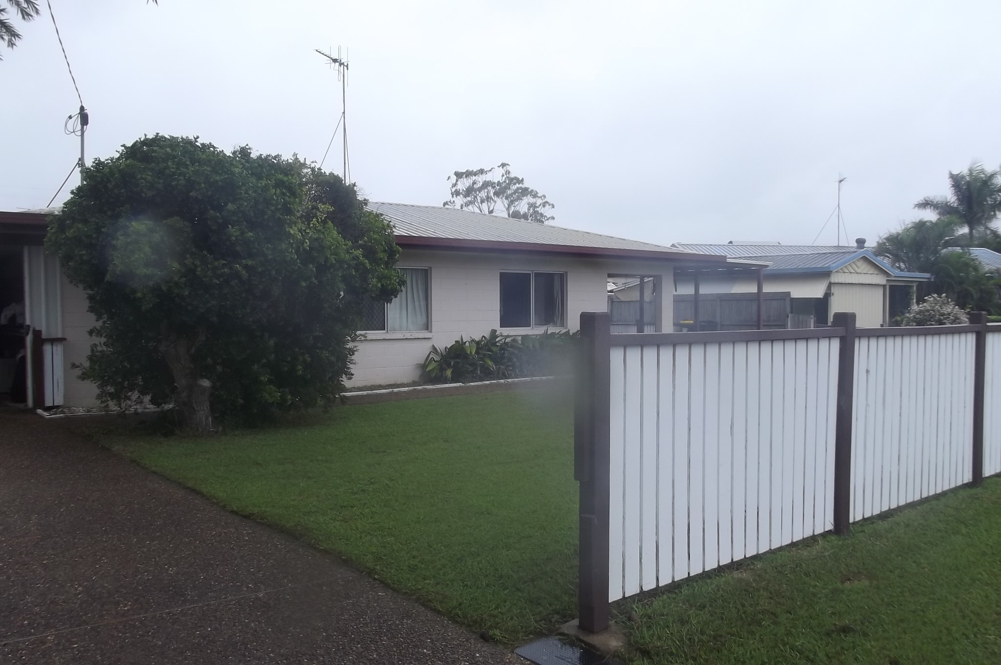 34 McLachlan Dve... AVENELL HEIGHTS