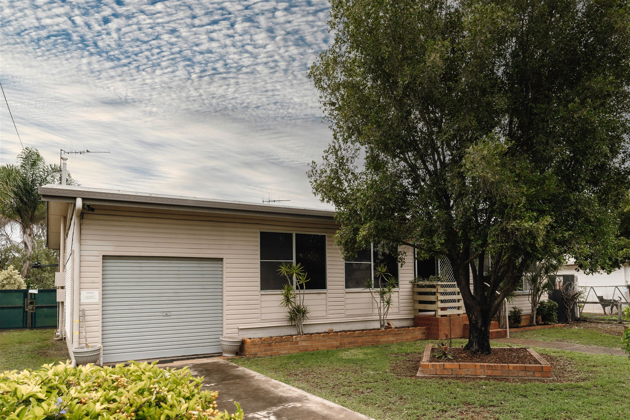 8 Hussey Street... AVENELL HEIGHTS